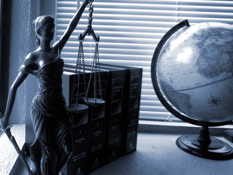 https://www.avocat-depierre.com/wp-content/uploads/2020/02/lady-justice-2388500_1920-1.jpg