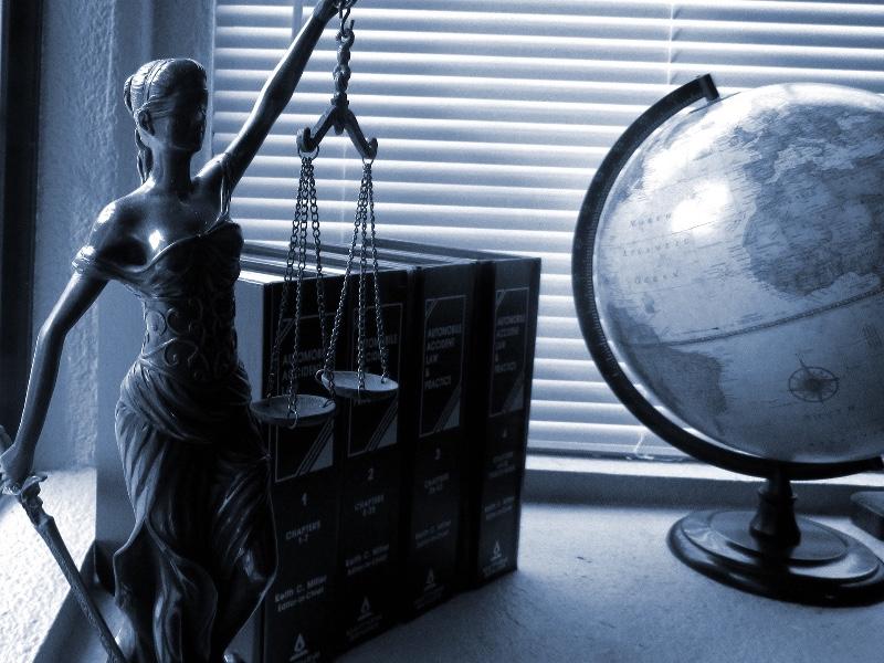 https://www.avocat-depierre.com/wp-content/uploads/2020/02/lady-justice-2388500_1920.jpg